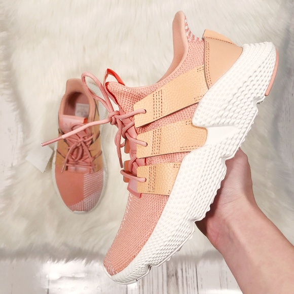 super popular a7e76 bf2ef NEW Adidas Prophere J Sneaker in Trace Pink